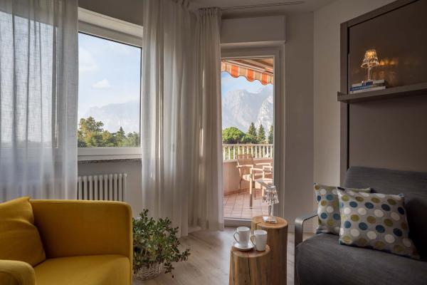Design apartments on Garda lake for active holidays in Torbole | Residence Toblini