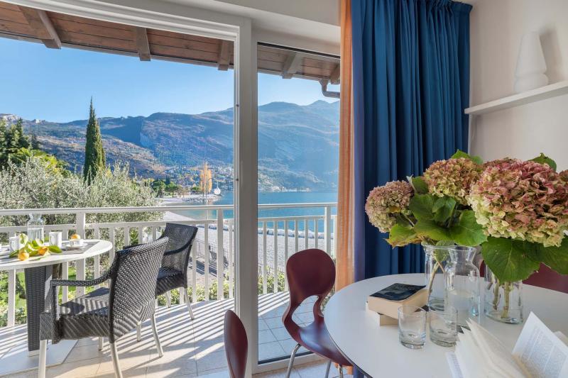 Appartamenti a Torbole tipologia Standard, piano terra fronte lago di Garda | Casa al Lago Residence Toblini