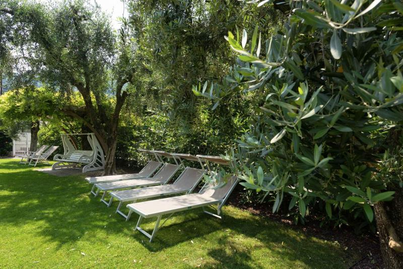 Giardino Piscina Residence Torbole Gardasee Lago di Garda   Residence Toblini